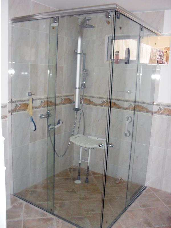 Puertas En Aluminio Para Baño En Cali:Divicol – Fabricación de Puertas en Aluminio en Bogotá, Calle 46 Sur