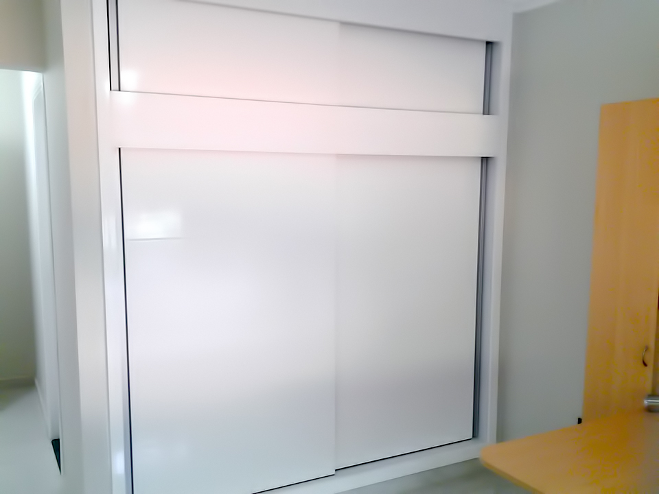 Puertas En Aluminio Para Baño En Cali:closets con puertas de aluminio y con perfilería en aluminio