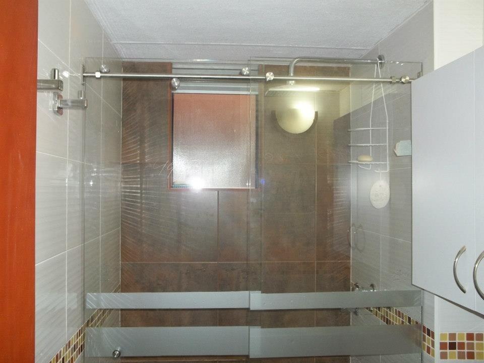 Puertas correderas para baos me haces volar en los for Cocinas integrales usadas bogota