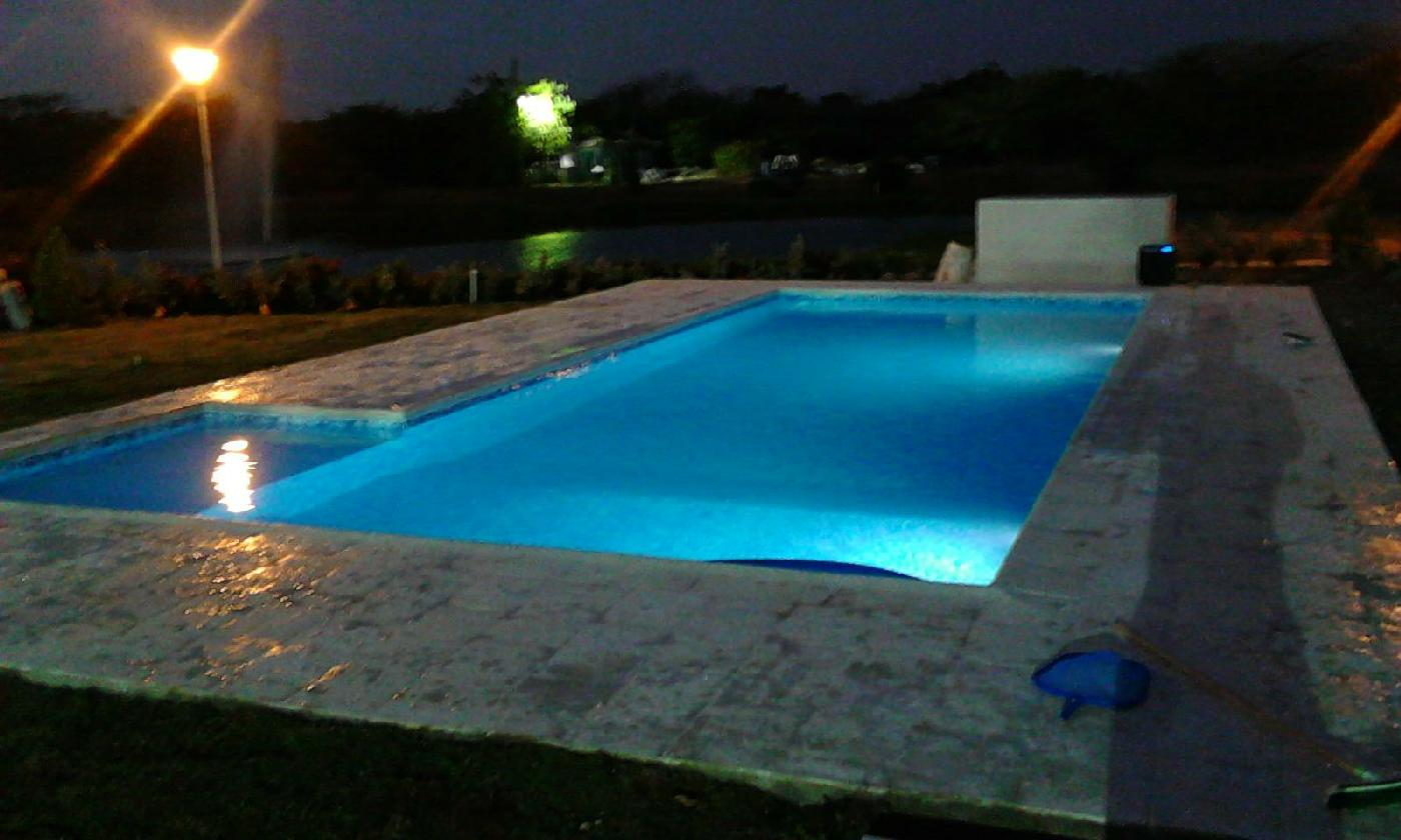 Aquatech pools colombia remodelaci n de piscinas en for Construccion de piscinas en colombia